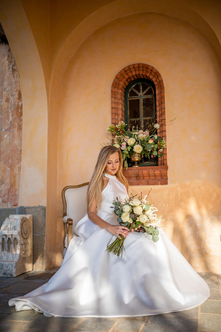 Luxury wedding in romantic shades